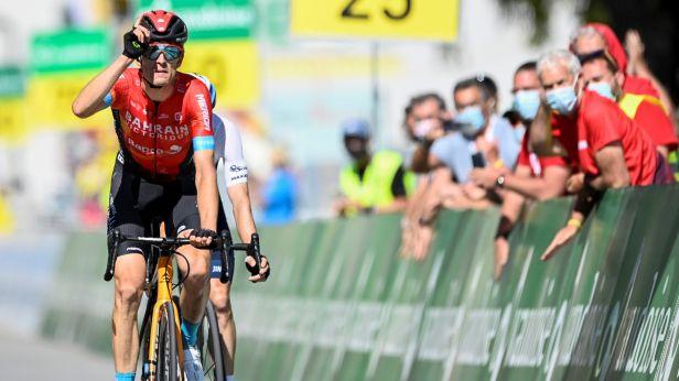 Mäder se ve Švýcarsku dočkal v poslední etapě. Celkovou výhru uhájil Carapaz