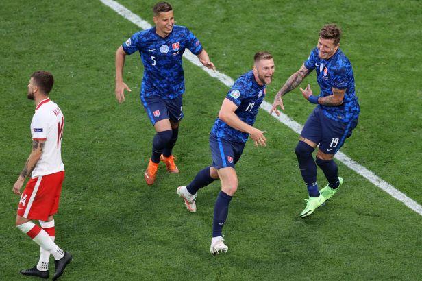 Duel Škriniar vs. Lewandowski vyhrál slovenský stoper. Zajistil výhru nad Poláky