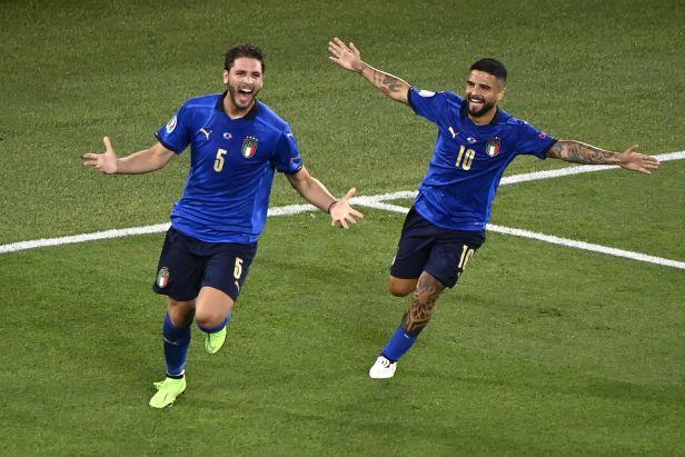 Italům stačí bod k prvnímu místu, Velšanům k postupu. Švýcaři a Turci si zahrají o naději