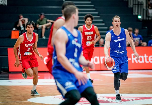 Basketbalisté ve třetí čtvrtině přejeli Tunisko a se Supercupem se loučili výhrou