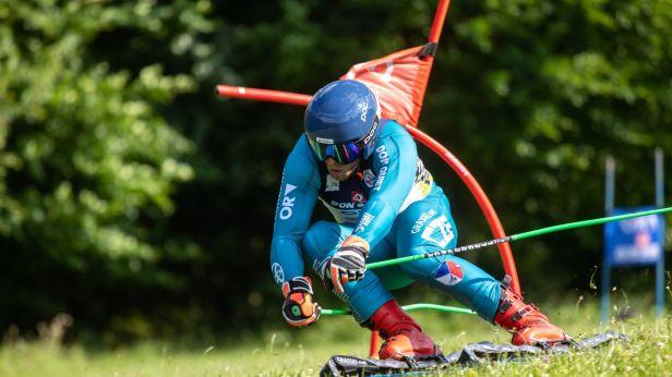 Čeští travní lyžaři si dojeli na svahu v Předklášteří pro čtyři medaile ze SP