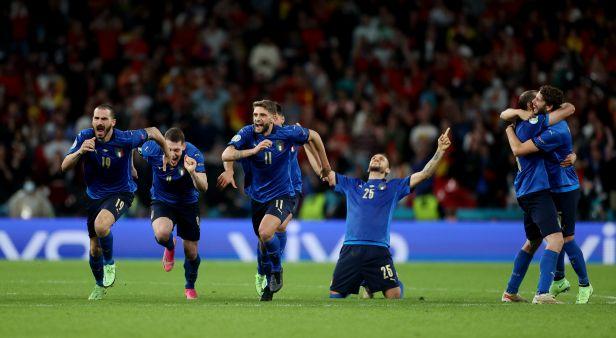 Prvním finalistou jsou Italové. Dramatickou bitvu se Španěly rozhodly až penalty