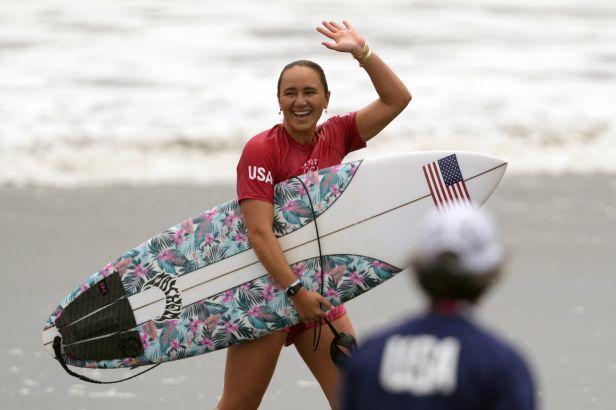 Premiéru surfingu na Hrách ovládli Ferreira a Mooreová