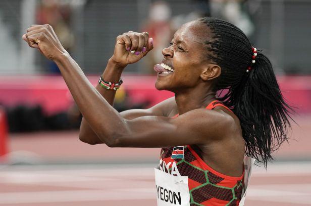 Omanyala zaběhl v Nairobi africký rekord. Na míli vládla opět Kipyegonová