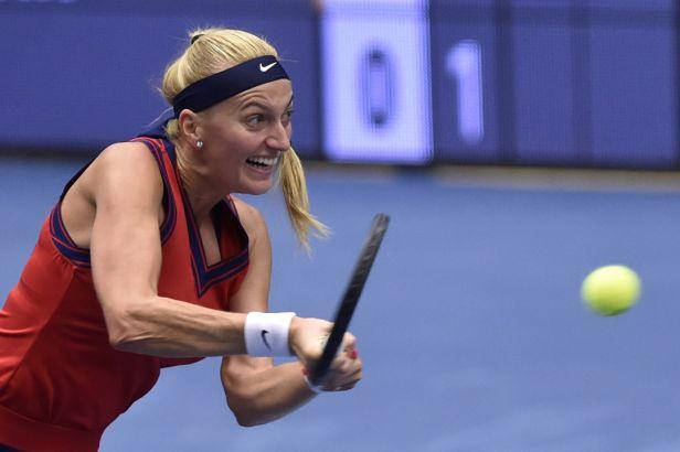 Kvitová prošla do semifinále, kde ji čeká Kontaveitová. Martincová v Ostravě padla se Sakkariovou