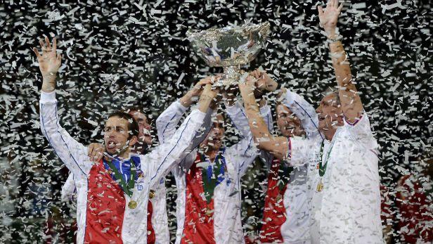 Závěrečný ceremoniál a předání daviscupové trofeje
