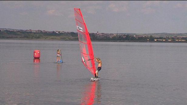 MS ve windsurfingu čeká na vítr