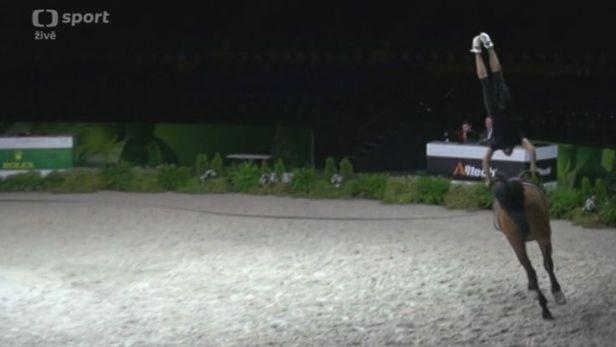 Voltižér Klouda vstoupí do bojů o medaile