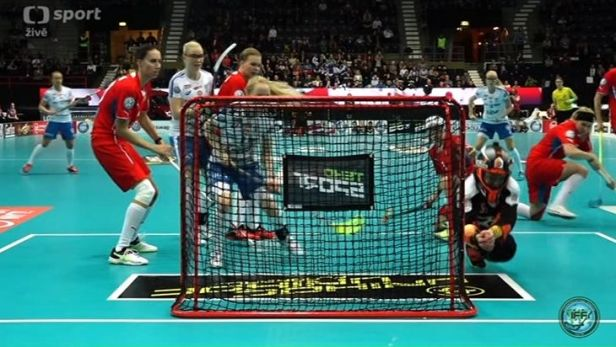 Češky prohrály s Finskem smolným gólem, o bronz se poperou se Švýcarkami
