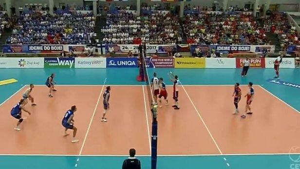 Čeští volejbalisté podlehli Finsku 1:3 a na MS si nezahrají