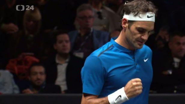 Federer s lehkostí z kurtu vyprovodil Querreyho