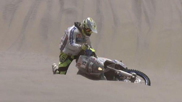 Na Dakaru už nepokračuje motocyklista Lhotský