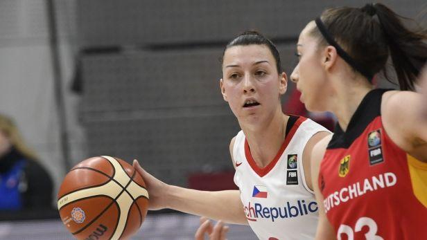 Basketbalistky porazily i Německo a jsou jednou nohou na ME