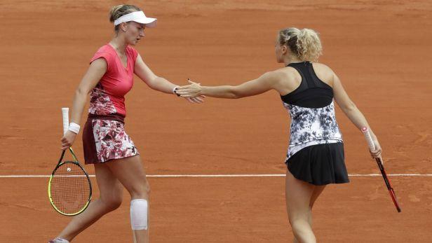Pár Krejčíková, Siniaková zvítězil na French Open