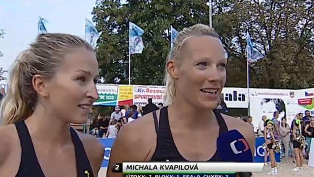 Kvapilová se raduje z domácího titulu s novou spoluhráčkou