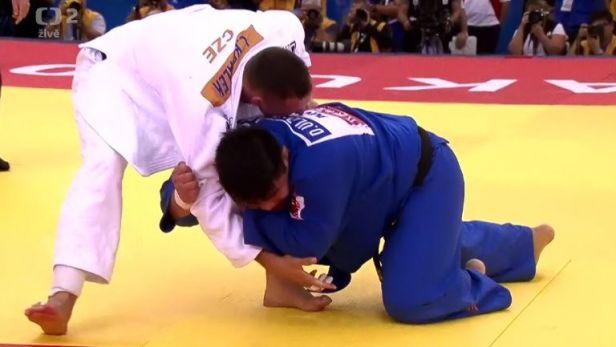 Krpálkův boj o bronzovou medaili proti Ulzíbajareovi