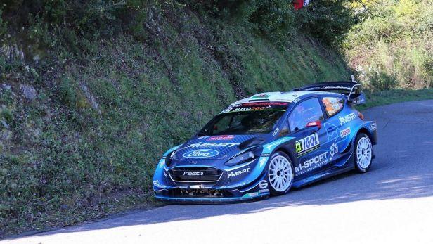 Vedení na Francouzské rallye drží po první etapě Evans
