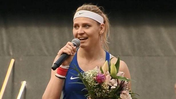 Rozlučka s Lucií Šafářovou po závěrečném vystoupení ve Fed Cupu