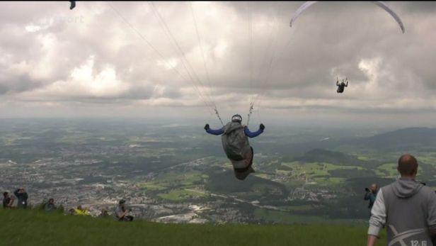 1100 kilometrů, pěšky i ve vzduchu. Extrémní paraglidisté se znovu vydali překonávat Alpy