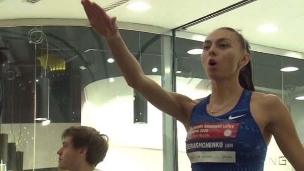 Brněnskou laťku ovládla ukrajinská výškařka Geraščenková