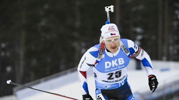 Biatlonistům se začátek programu v Oberhofu nepovedl