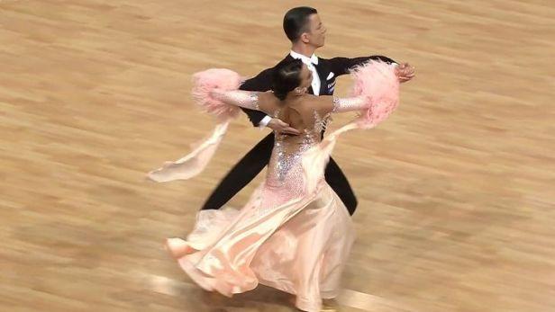 Odstrčil a Bohak se vešli na MS ve standardních tancích do elitní desítky