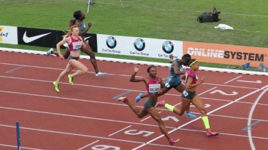 Závod žen na 200 metrů