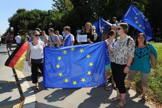 Příznivci Angely Merkelové na Evropské třídě