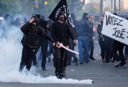 Střety policistů s demonstranty