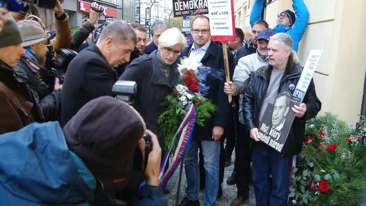 Andrej Babiš a Karla Šlechtová na Národní třídě Zdroj: ČT24