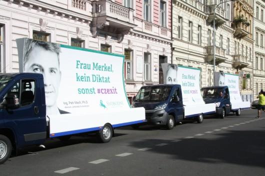 Svobodní proti Merkelové Zdroj: Svobodní